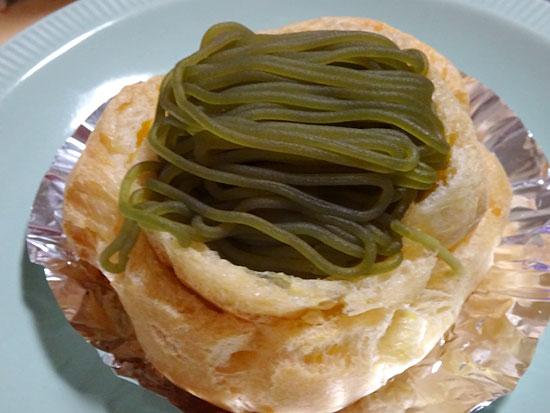 ショートケーキ - 濃い茶シュー210円