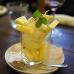 ラム ミート テンダー - バニラアイスとッパイナップルのパルフェ