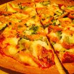 45365047 - ゴーヤと明太子のピザ 1000円