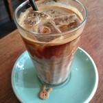 CAFERISTA - アイスカフェラテ。