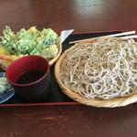 そば処花園山房 はるき - サクサク天ぷらと普通でも大盛り⁉︎蕎麦
