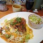 カレー&オムライスの店 洋食亭 - チキンとトマトのサラダオムライス 1