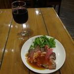 ステーキハウス KING'S - ステーキ屋さんのローストビーフと赤ワイン