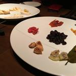 45376717 - チーズ&ドライフルーツ盛り合わせ