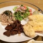てんこち酒場 - 天ぷら盛り合わせ、牛ごぼう煮、和風和えめん、サラダ