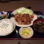 大衆酒場 居酒屋けん - 料理写真:生姜焼き定食