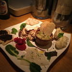 CHIRARI - 前菜盛り合わせ
