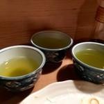大衆割烹 三州屋 - お茶がいつ間にか3倍になっている!(2015.12)