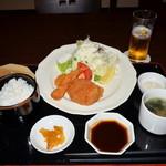 新千歳空港温泉 お食事処 - フライ定食 750円