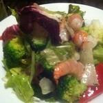 Zizz - 海老とブロッコリーのゴロゴロサラダ