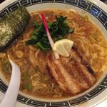 龍が如し - あっさりラーメン  700円(税込)  麺は細麺、スープは醤油の風味が強く、魚介系つけ麺のスープと比較したらあっさりラーメンですね。