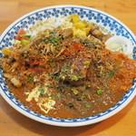 240 - 料理写真:ニコヨンスペシャルカレー(生卵トッピング)