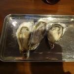 五坪 北24条店 - 生牡蠣