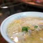 小城 - 2015.12 酸菜白肉汤(1,000円)白菜漬けと豚肉のスープ