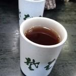 そばの三福 緑園店 - お茶~~多過ぎだって持てねえもん