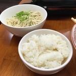 博多豚骨ラーメン 替玉食堂 - 替玉&半ライス