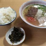 えびす屋 - 料理写真:ラーメン=500円 小めし=100円