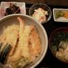 やぶれかぶれ - 料理写真:天丼700円(税込)味噌汁、小鉢2品、お新香付き
