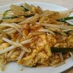 中華食堂 一番館 - 割りとラー油でピリリとします。