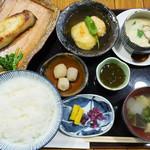 素処 - カレイの西京焼きと真丈