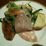 45411672 - 前菜&サラダ、(カボチャのマリネ、グリーンサラダ、ハム、パン。)