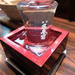老緑酒蔵 - 201512 鼎(かなえ) 純米吟醸 1合630円。日本酒の種類もかなり豊富で鍋島 NEW MOON や鳳凰美田などもあった。
