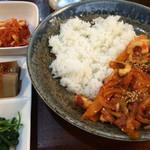 韓国家庭料理 ジャント - ランチメニューの「いかのピリ辛丼」