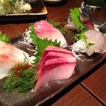 磯べゑ - 磯べゑ鮮魚盛り5点(1,580円)