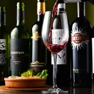 ワインはもちろん、その他アルコール類も豊富です!