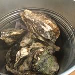 カキ小屋フィーバー@BLUEJAWS - 焼き牡蠣