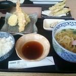矢乃家 - うどん定食820円