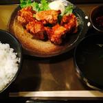 ほっと屋 - 伝説の唐揚げ定食(800円)