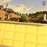 トラピスチヌ修道院 売店 - ホワイトチョコレート(パッケージは、修道院外観の写真)