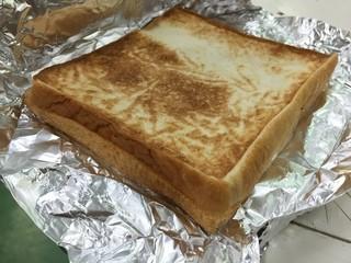ピットイン77 太田市牛沢店 - 取り憑かれたように、パンに挟まった物を探しています