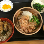 南条サービスエリア(下り線)スナックコーナー - ミニ舞茸丼のおろしそば定食