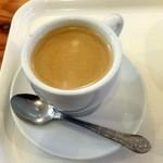 ベーカリーカフェデリス - ホットコーヒー320円+税