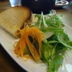カフェ ミール バロック - 野菜サラダ、自家製パン