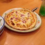 45436667 - サラミとパンチェッタのピザ399円税込