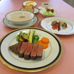 のざき牛黒毛和牛フィレ肉ステーキ(100g)コースA5ランク