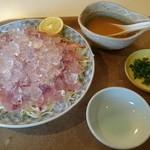 青松 - 料理写真:鯉の洗い