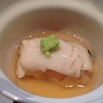 45448328 - 鰆の蒸し寿司。とろりと餡がかかっております。