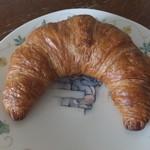 セブンカフェ - 料理写真:バタークロワッサン