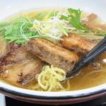 45450093 - あっさりとした「鶏清湯」うま塩らーめん(2015.12)