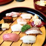能登前寿司 もりもり寿し - こだわりにぎり10貫 味噌汁付き1600円 税抜き