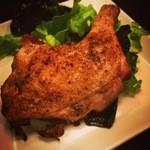 サルトビ - 鶏レッグの特製スパイス焼き