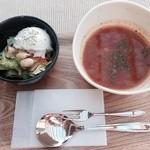 CAFÉ umie - ミネストローネとサラダ
