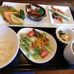 cafe restaurant マートル - よくばりランチ膳