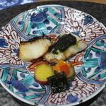 魯忍 - 揚げ物:サワラの炭焼き、春菊ジュノベーゼ、銀たら西京焼き