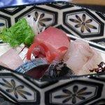 魯忍 - お造り:中トロ、ヒラメ、シマアジ、しめ鯖、検先イカ