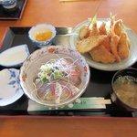 シャロー・ビー - Aランチ(ミックスフライ+ミニ3色丼)2015.12.12